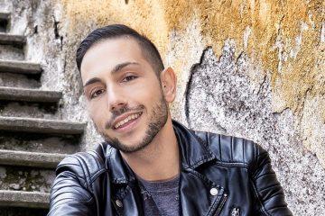 """Manuel Aspidi presenta L'uso delle mani: """"Per dare voce alle donne"""" - Video Intervista"""