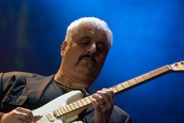Pino è, critiche al concerto tributo a Pino Daniele: i video della serata