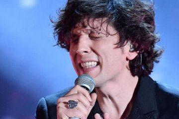 Ermal Meta in concerto ad Alassio: ricavato alle vittime del crollo di Ponte Morandi a Genova