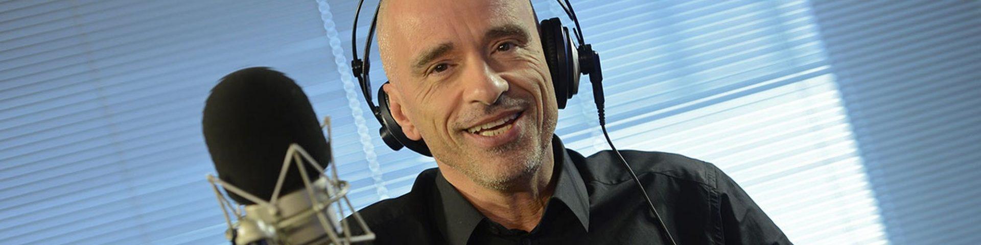"""Eros Ramazzotti: """"Vita ce n'è"""" è il nuovo singolo in arrivo il 19 ottobre"""