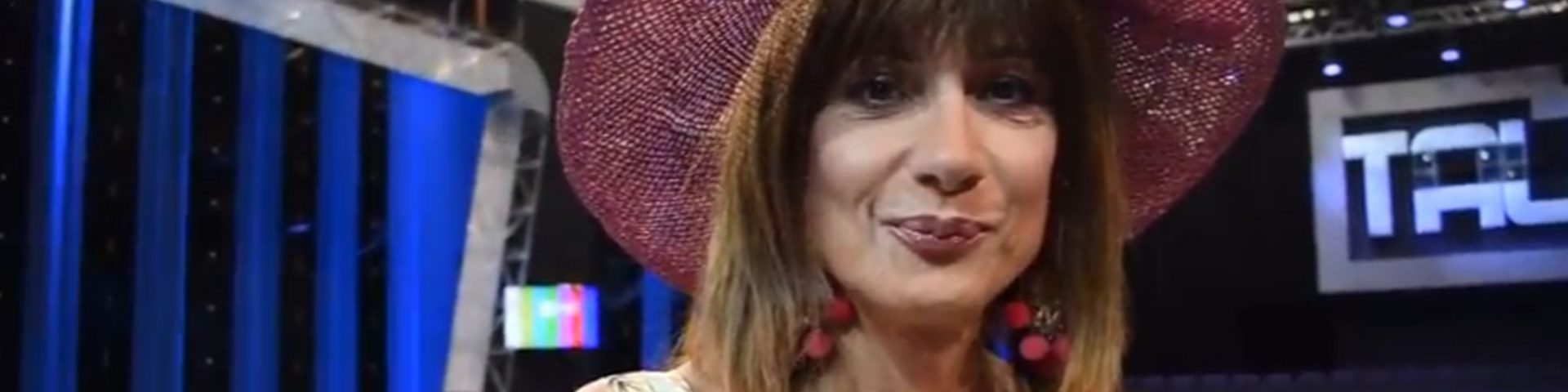 """Vladimir Luxuria trionfa a Tale e Quale Show: """"Ce la sto mettendo tutta"""" - Video"""