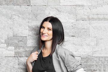 """Laura Pausini: """"La soluzione"""" è il nuovo singolo - Testo e audio"""