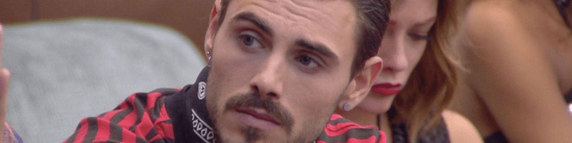 """Francesco Monte omofobo? """"Due donne che si baciano mi fanno schifo"""" - Video"""