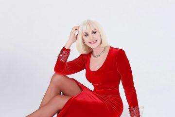 "Raffaella Carrà presenta ""Ogni volta che è Natale"" - Video"
