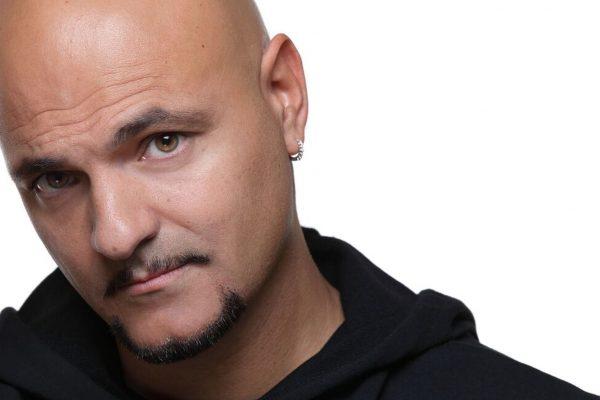 """Jeffrey Jey: """"Mi piacerebbe collaborare con Ermal Meta o Negramaro"""" - Intervista"""