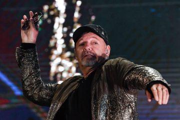 """Vasco Rossi, da """"Ma cosa vuoi che sia una canzone"""" a """"33 Giri - Italian masters"""""""