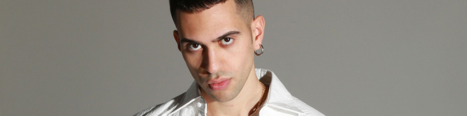 "Il prete fa cantare ""Soldi"" di Mahmood in chiesa - Video virale"