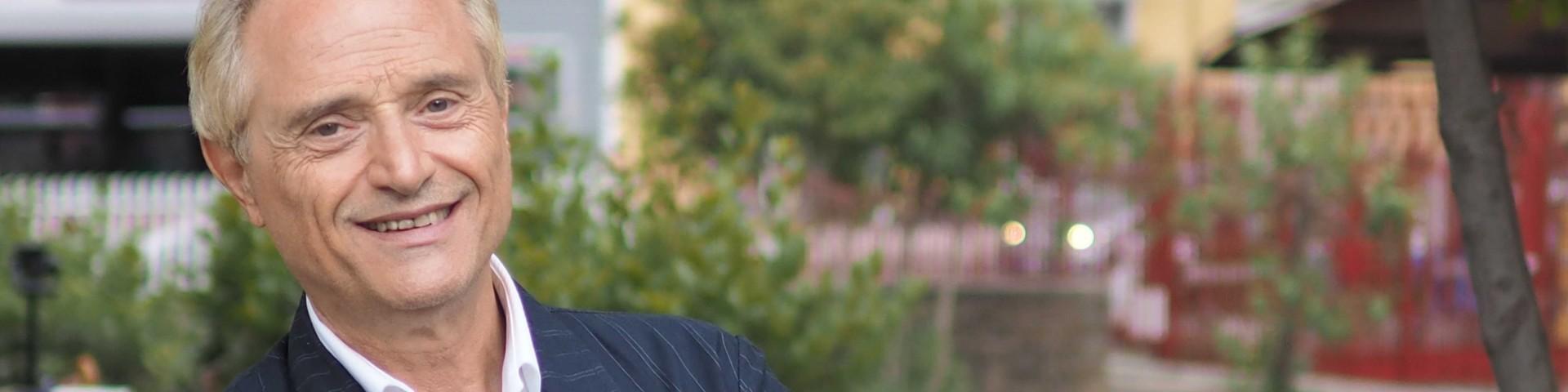 """Amedeo Minghi pubblica il nuovo singolo """"e …John"""""""