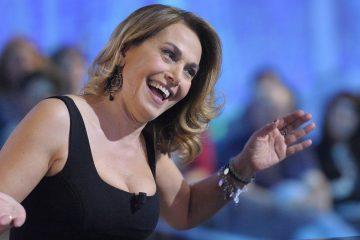 Barbara D'Urso e Vittorio Sgarbi: lite e insulti in diretta a Live – Non è la D'Urso (Video)