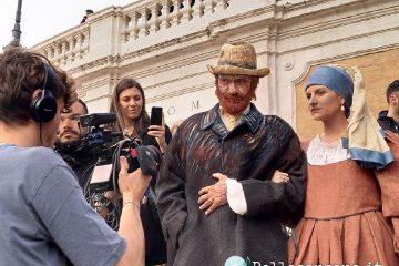 Laura Pausini e Biagio Antonacci a sorpresa a Piazza di Spagna – Video
