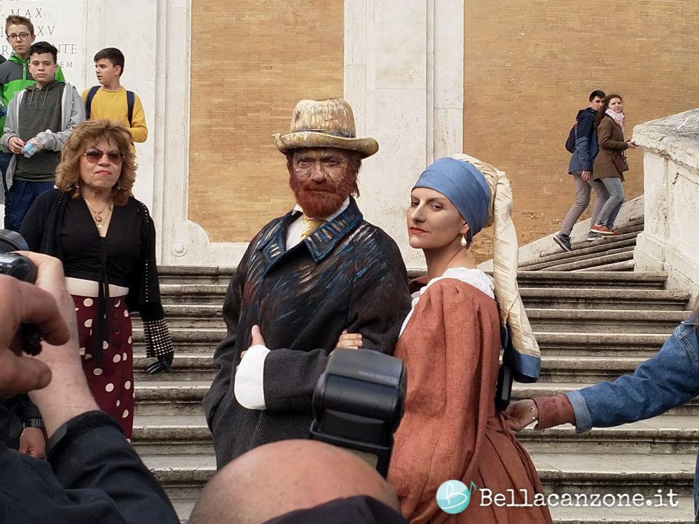 Laura Pausini e Biagio Antonacci: foto e video del flash mob a Roma