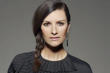 Laura Pausini presenta le Baby Pelones per la lotta ai tumori infantili