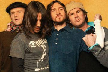 John Frusciante è rientrato nel gruppo: l'annuncio a sorpresa dei Red Hot Chili Peppers