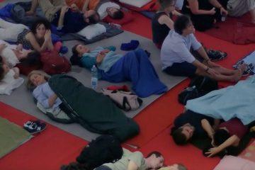 Sleeping Concert: suonare tutta la notte mentre il pubblico dorme con sinfonia all'alba per sveglie dei cellulari