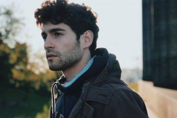 """Matteo Faustini a Sanremo 2020: """"Quando trovi occhi pieni di parole è bellissimo poterli abitare"""" (Video)"""