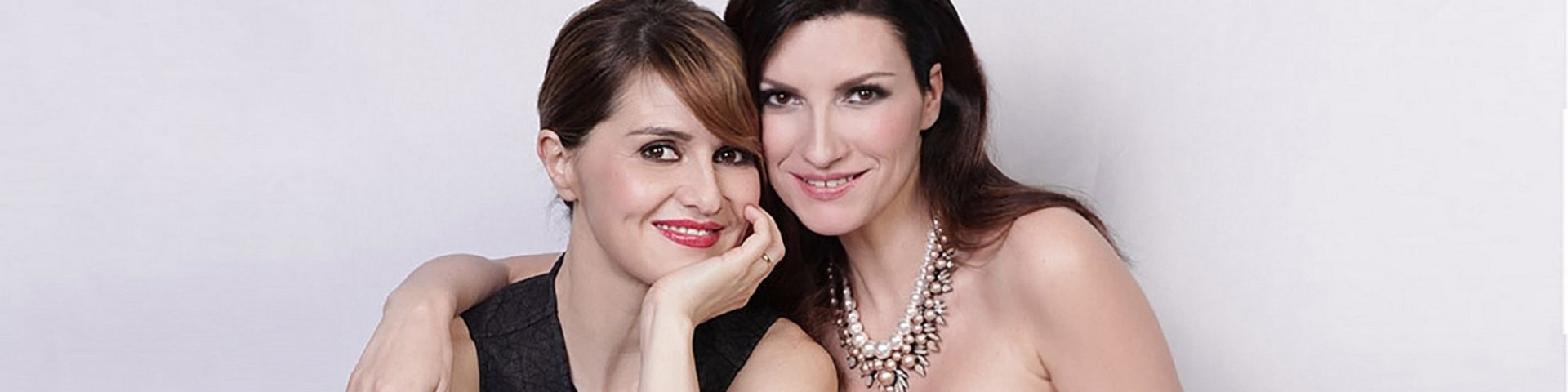 Laura Pausini e Paola Cortellesi in streaming: come vederle