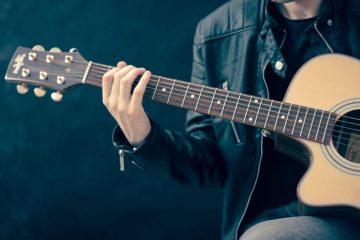10 canzoni da suonare con la chitarra a Pasquetta