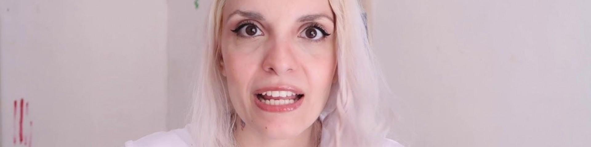 Chi è Marta Suvi, alias Barbie Xanax?