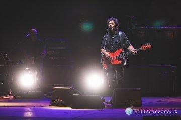 Max Gazzè in concerto a Roma fa emozionare e ballare il pubblico (Foto e Video)