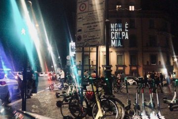 """""""Non è colpa mia"""", la scritta misteriosa invade Roma e Milano (Foto)"""