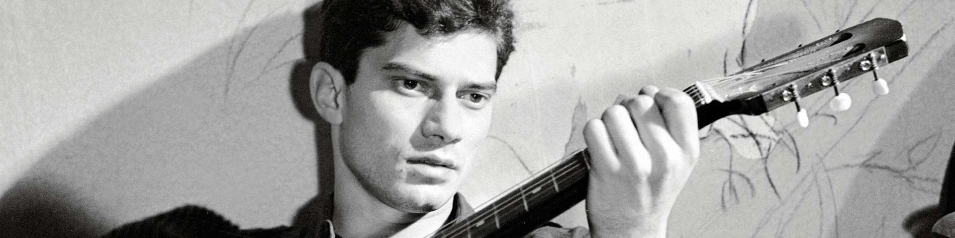 Cantastorie – Luigi Tenco, la disillusione di un sognatore