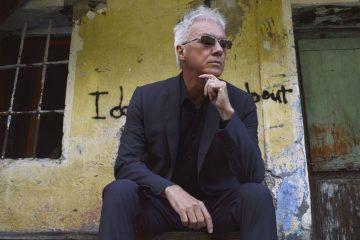 """Silvio Capeccia: """"I brani rock in versione pianoforte hanno la spinta punk tipica dei Decibel"""" (Video)"""