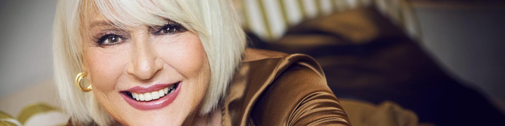 """""""Fai vincere le tue ossa"""", la campagna di sensibilizzazione con Loretta Goggi"""